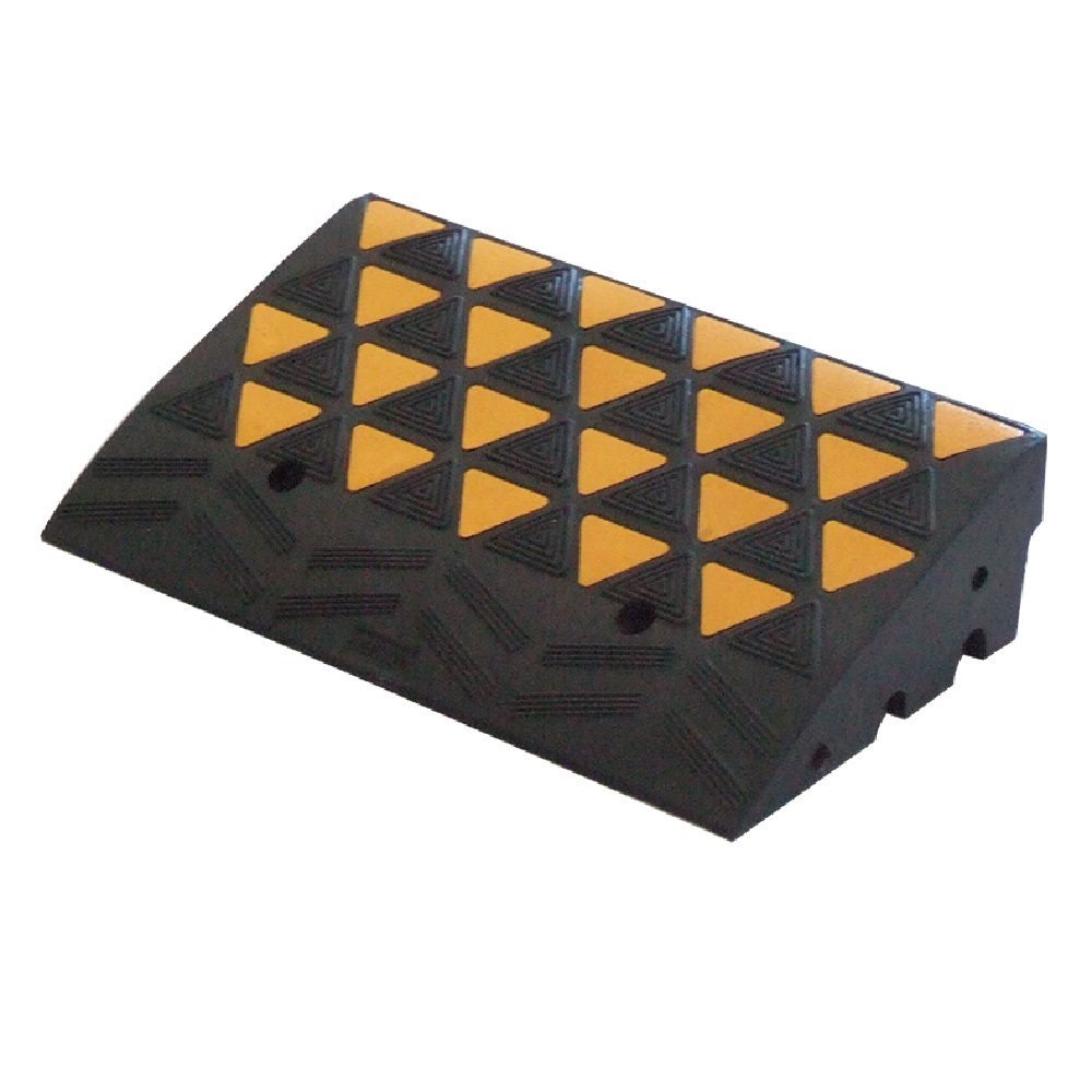 Curb Ramp With Reflectors